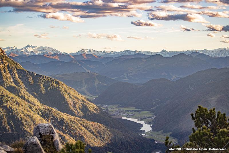Ein schöner Wanderausblick von der Steinplatte Richtung Pillersee