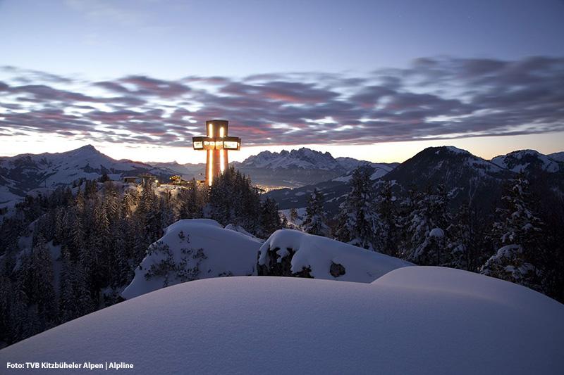 Jakobskreuz im Winter - das größte begehbare Gipfelkreuz der Welt