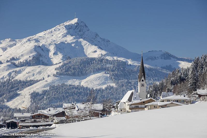 Ortsansicht St. Jakob (855 m Seehöhe) im Winter