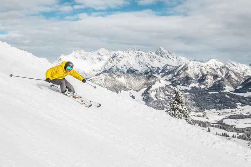 Auf den Kitzbüheler Alpen Skifahren