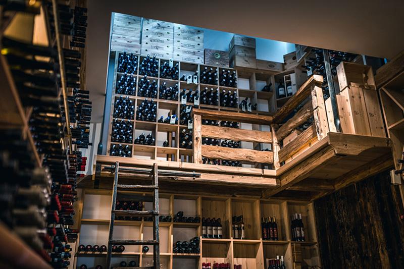 Verkoste Wein im Weinkeller