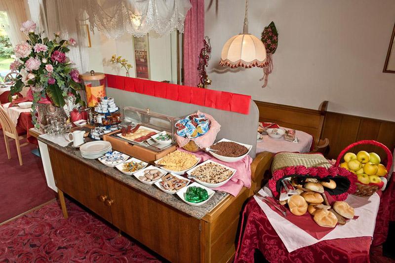 Frühstück im Hotel Lahngut