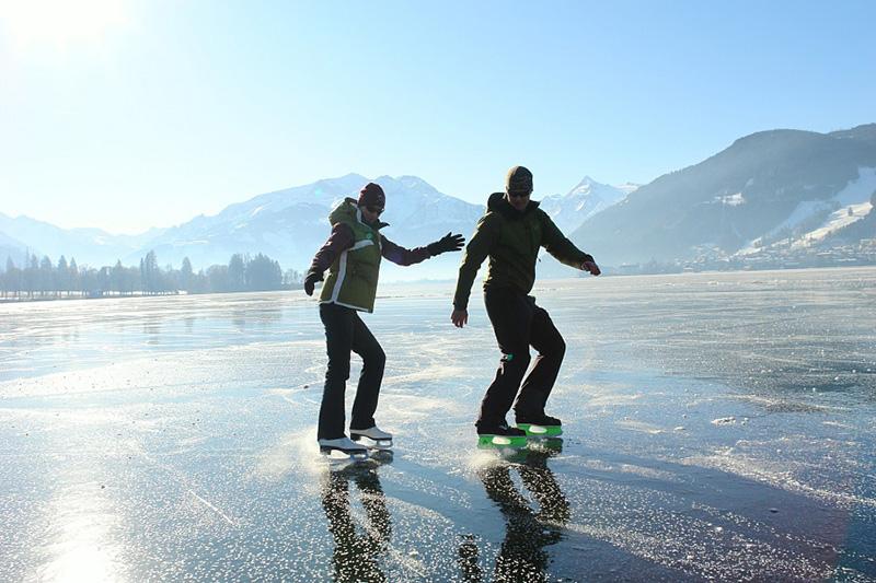 Eislaufen am Zeller See