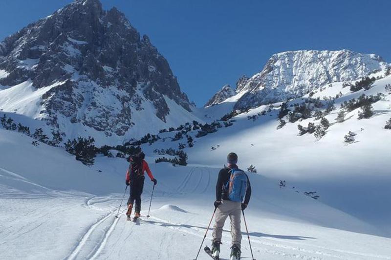 Skitouren, Eisklettern & Co in den Südtiroler Dolomiten buchst Du alles im Granpanoramahotel StephansHof in Villanders mit. Das Hotel steht eher für den sanften Wintertourismus
