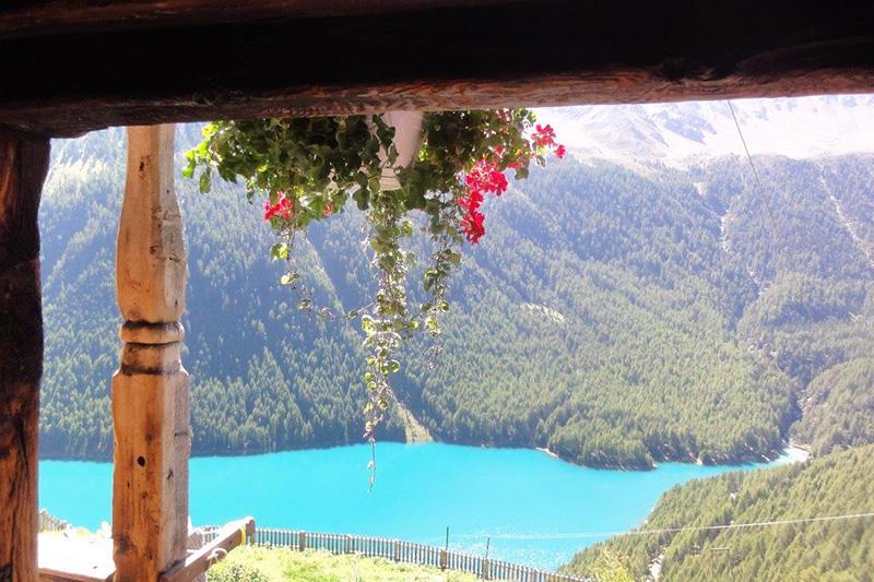 Aussicht vom Bergbauernhof Finailhof
