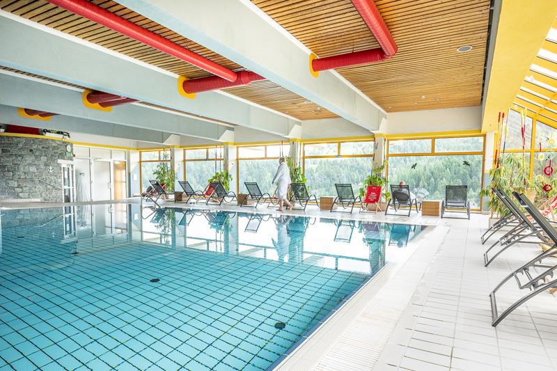 Turracher-Hoehe-Pool-Sommer