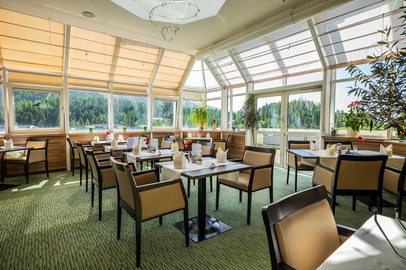 Turracher-Hoehe-Restaurant-mit-Aussicht