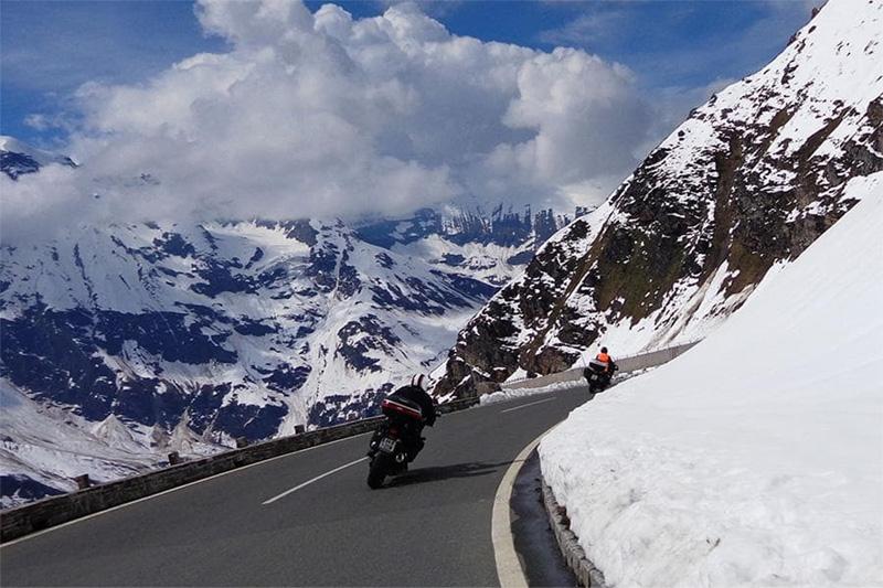 Motorradtouren durch das Salzburger Land mit Vötter's Sportkristall