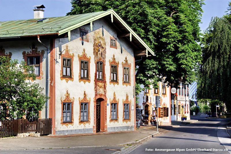 Kolblhaus in Oberammergau mit Lüftlmalerei