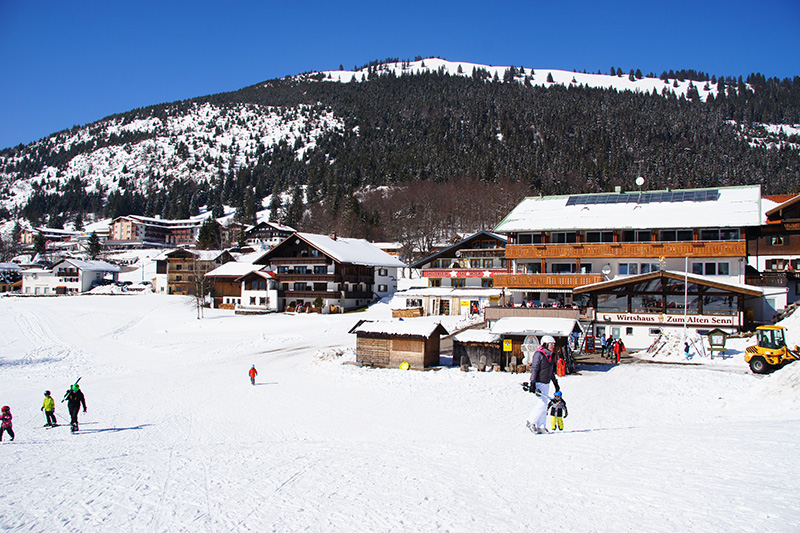 Winterurlaub im Hotel Zum Senn in Oberjoch - direkt an der Skipiste