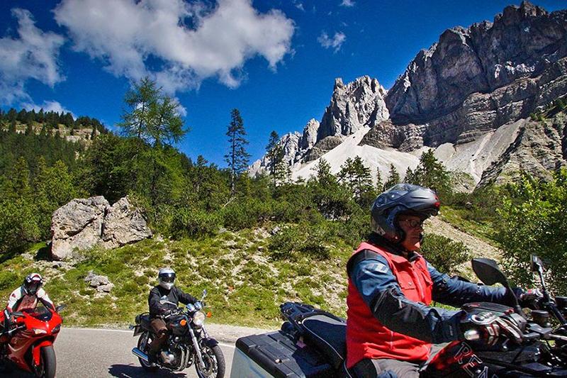 Motorradtouren durch die Dolomiten