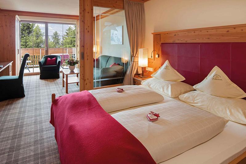 Suite Roteck 39 m² im Wohlfühlhotel Falzeben im Meraner Land in Südtirol