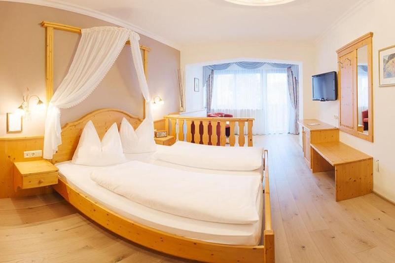 Familiensuite 43 m² im Südtiroler Granpanoramahotel Stephanshof in Villanders