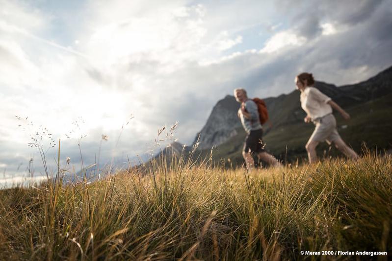 Die einfache Wanderung von Falzeben bis zur Bergstation Meran 2000 ist ideal für Familien sowie für den ungeübten Wanderer