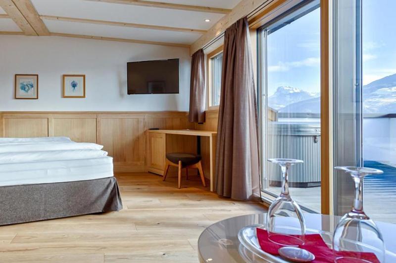Panorama Suite 32 m² + 20 m² im Granpanoramahotel Stephanshof in Villanders