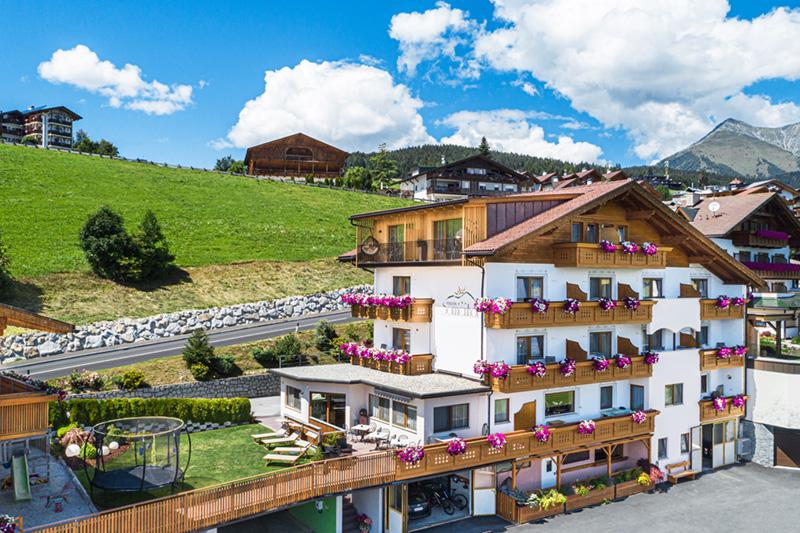 Familiäre Hotel-Pension im Ortszentrum von Meransen