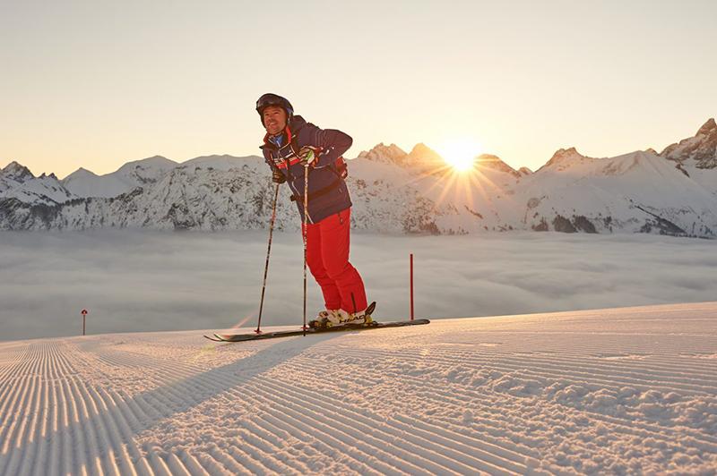 Pistensonnenuntergang im Skigebiet Fellhorn/Kanzelwand im Allgäu