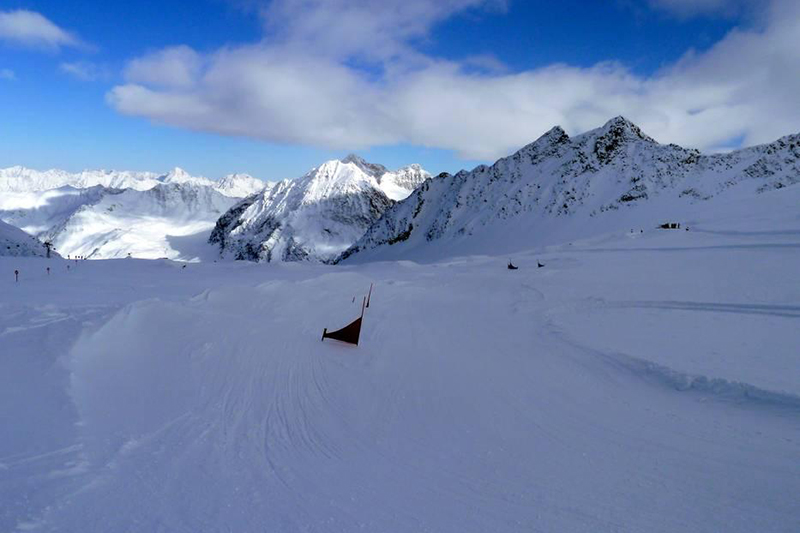 Boardercross am Pitztaler Gletscher in Tirol