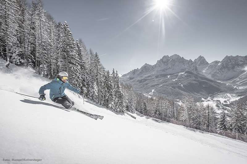 Skifahren im Skigebiet Drei Zinnen Dolomites