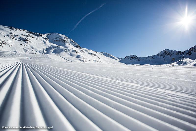 Skigenuss auf breiten Gletscherpisten, kein Anstehen am Lift