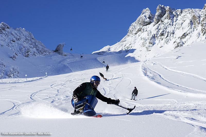 Monoskifahren am Gletscher