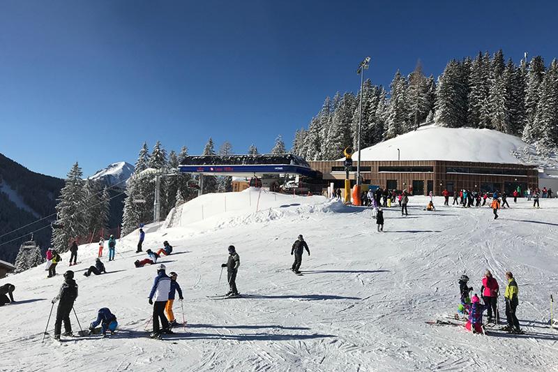 Bergbahn an der Lana Alm in Obereggen