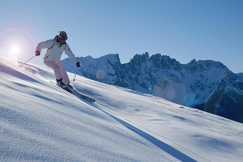 Skifahren im Skigebiet Carezza in Südtirol