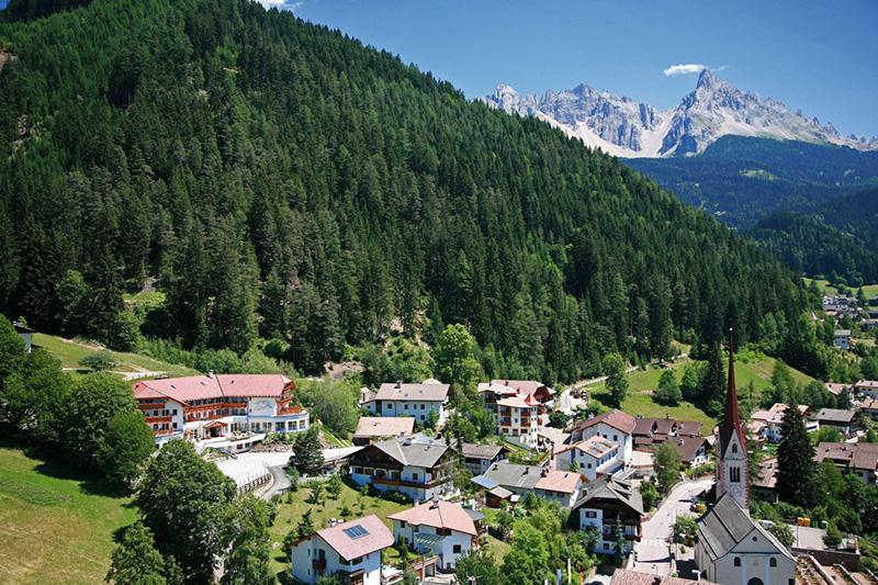 Blick auf Eggen in den Dolomiten