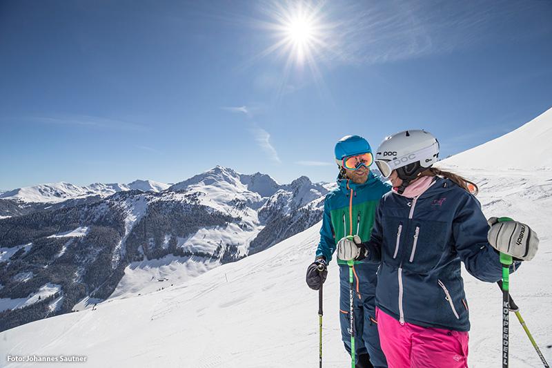 Ski Fahrer im Ski Juwel Alpbachtal Wildschönau