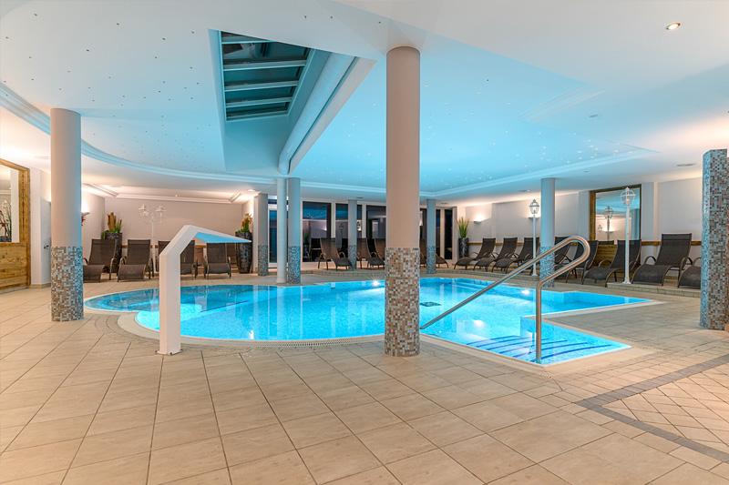 Wohlfuehlhotel-Schiestl-Pool-Badeschloessl
