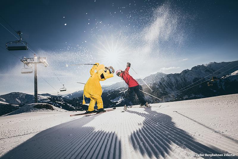 Skifahren mit dem Maskottchen