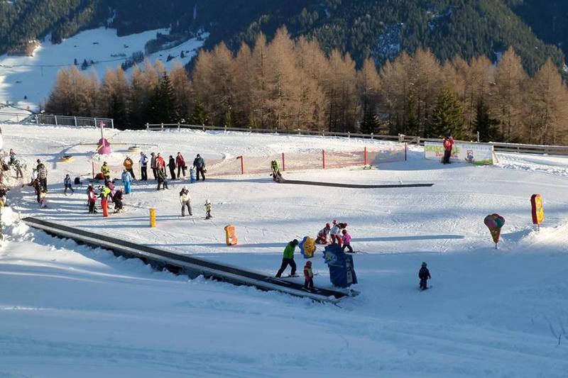 Kinderskiland im Skigebiet Bergeralm, Wipptal - Tirol