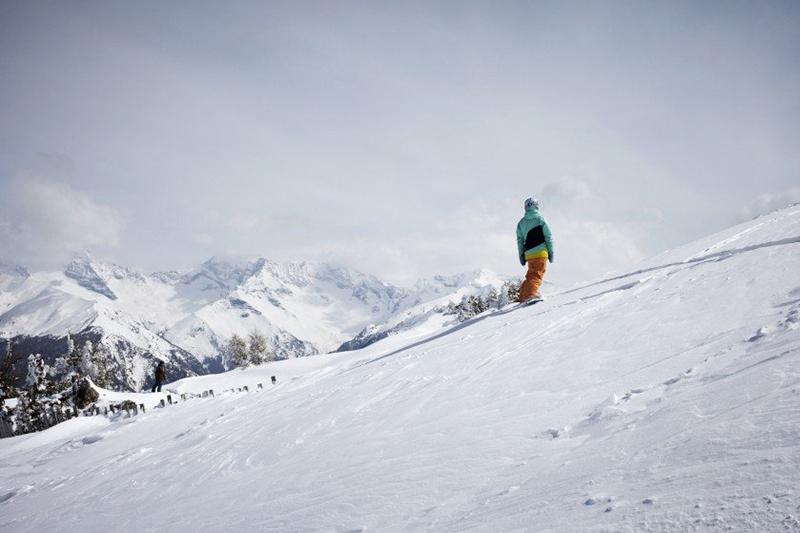 Snowboarden im Skigebiet Bergeralm im Wipptal - Tirol