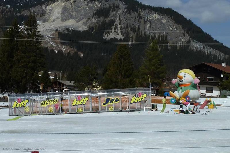 Das Kinderland Märchenwiese im Skigebiet Grän - Füssener Jöchle in Österreich