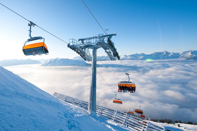 Moderne und komfortable Lifts im Skigebiet Hochzeiger