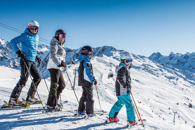 Skispass für die ganze Famile am Hochzeiger