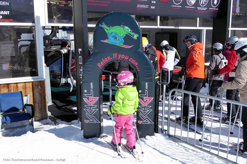 Kinderzugang zum Lift im tiroler Skigebiet Ischgl-Samnaun - Österreich
