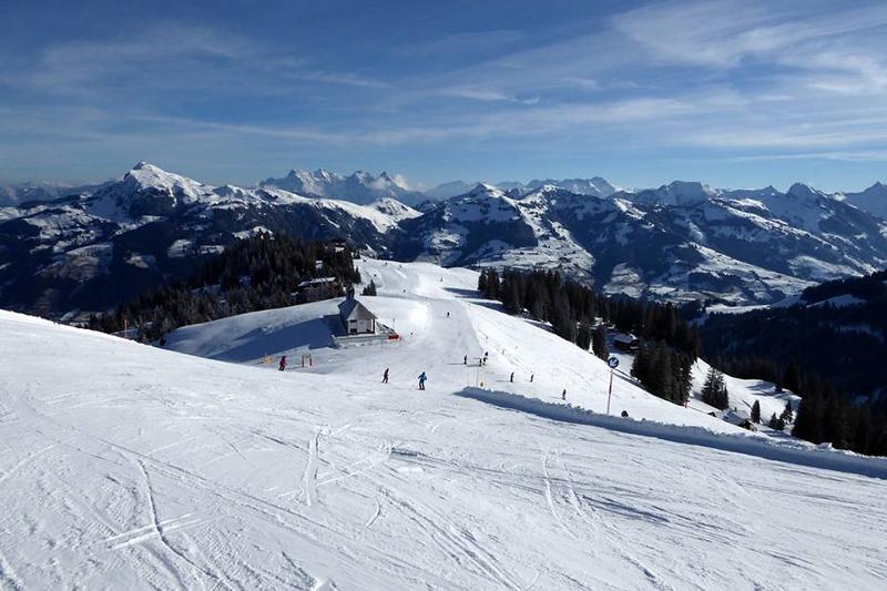 Blick auf den Hahnenkamm in den Kitzbüheler Alpen in Tirol