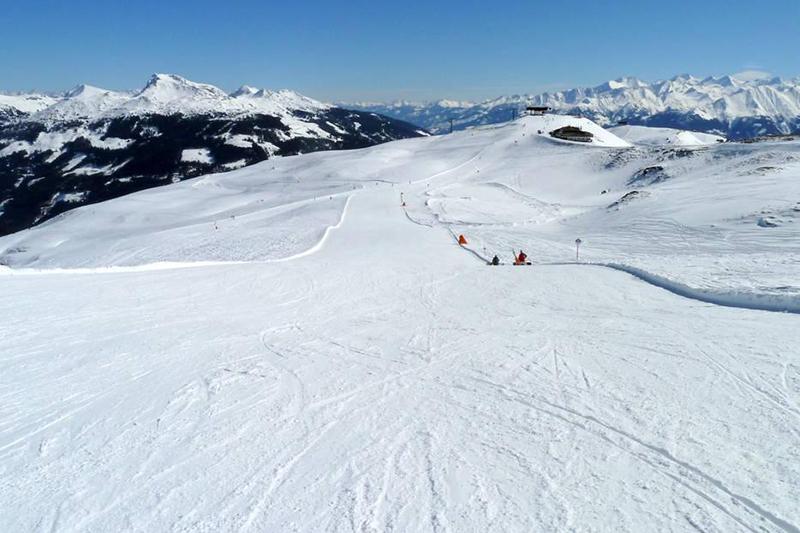 Leichte und breite Pistenauf den Zweitausendern im Skigebiet Kirchberg-Pass-Thurn - Österreich