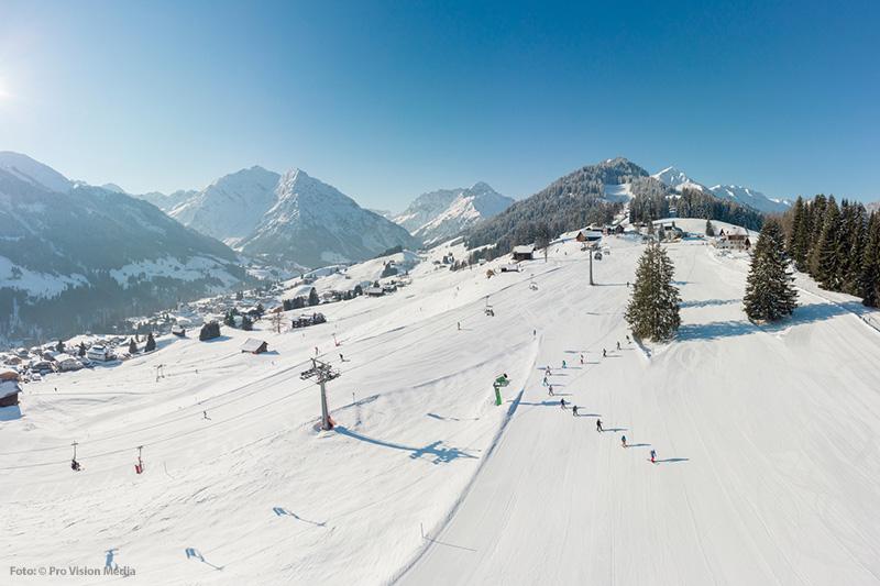 Abfahrt im Skigebiet Walmendingerhorn-Heuberg