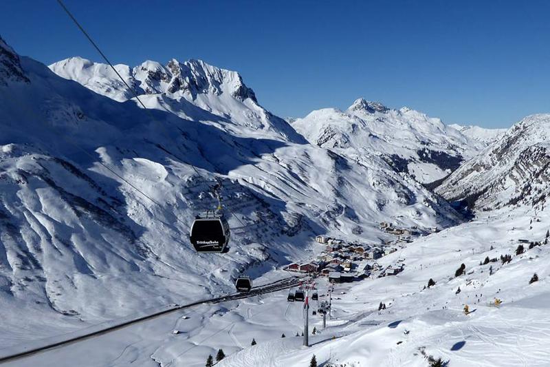 Traumhafter Blick Richtung Zürs in Tirol
