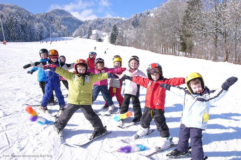 Kinder in der Skischule in Lenggries - Brauneck