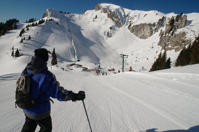 Perfekte Pistenverhältnisse im Skiegebiet Lenggries - Brauneck in Oberbayern