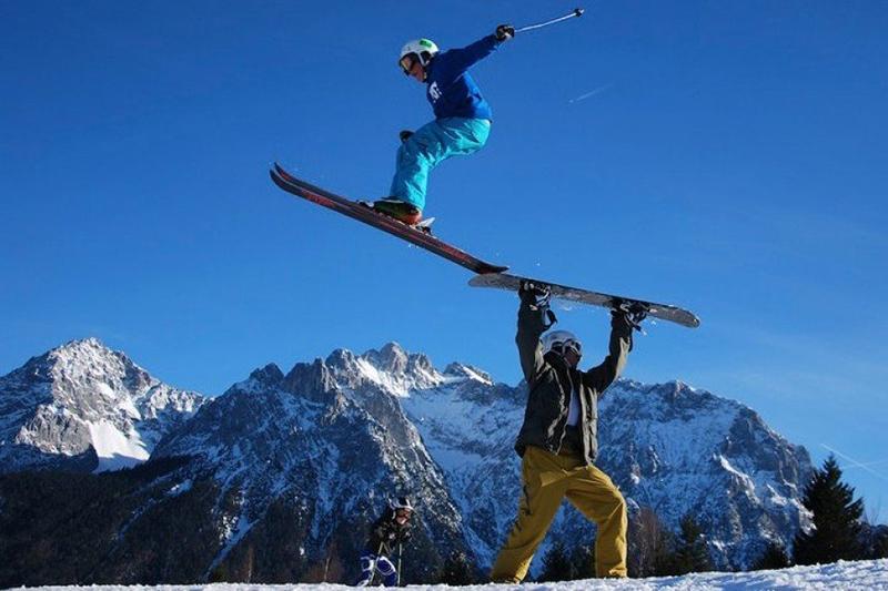 Kunststücke im Familien Skiparadies am Kranzberg in der Alpenwelt Karwendel in Oberbayern