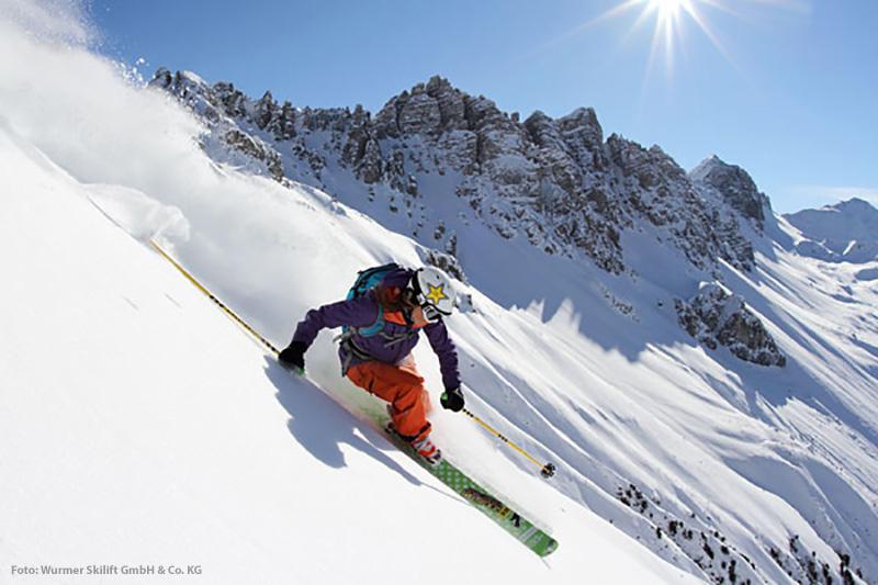 Mittenwalds steile Piste im Skigebiet am Kranzberg in Oberbayern
