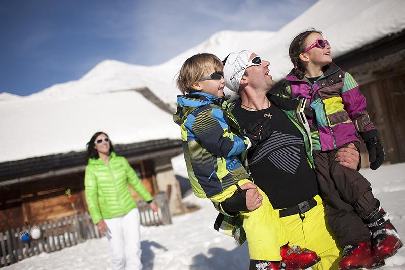 Das sonnenverwöhnte Familienskigebiet Nauders im Tiroler Oberland - Österreich