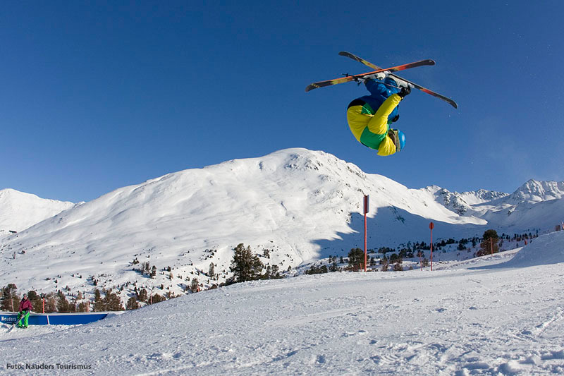 Freestyle Ski im Tiroler Oberland
