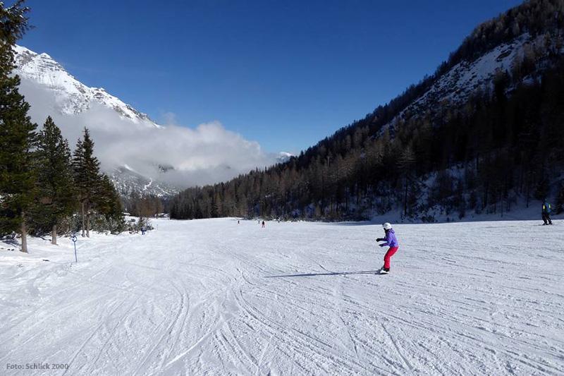 Breite und leichte Pisten in Skigebiet Schlick2000 in Tirol