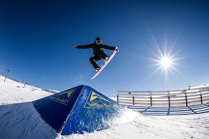 Snowborden im Snowpark