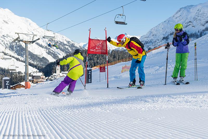 Skirennen im Skigebiet Warth - Schröcken in Österreich